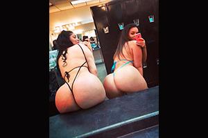 Chicas haciéndose fotos con grandes culo
