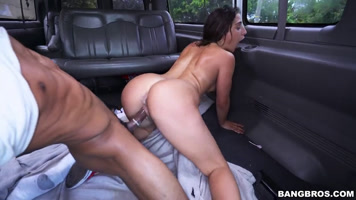 Aceptar tener Sexo Duro En La Minivan