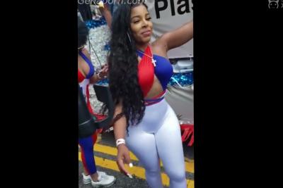 La Parada Dominicana, Enormes Traseros Bailando Muy Sexy